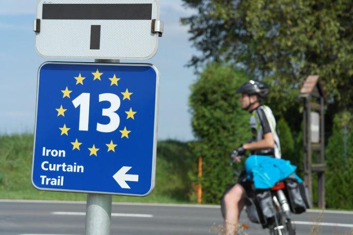 ev13-hungary-sign.jpg