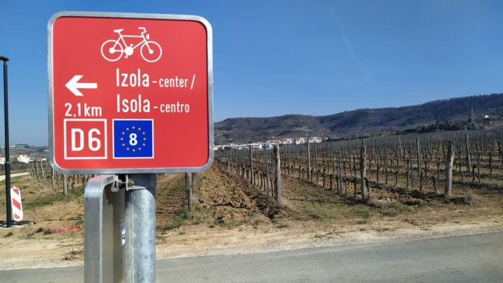 EuroVelo 8 cycling sign, Slovenia