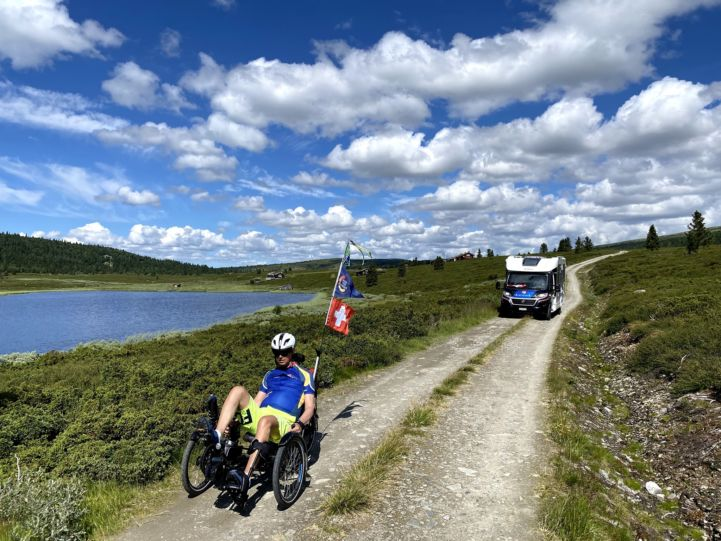 Cycling on EuroVelo 3 in Norway © Christian Salamin (rideforstroke.com)