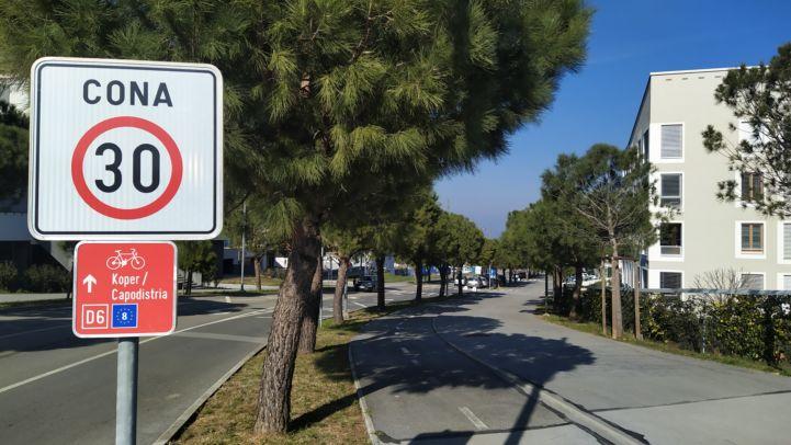 Piste cyclable sur l'EuroVelo 8 en Slovénie