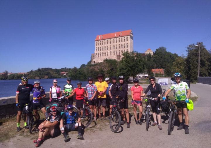 czechia cycle tour eurovelo 9