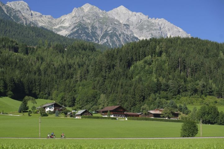 Der Ennsradweg bei Schladming (c) Steiermark Tourismus Arjan Kruik.jpg