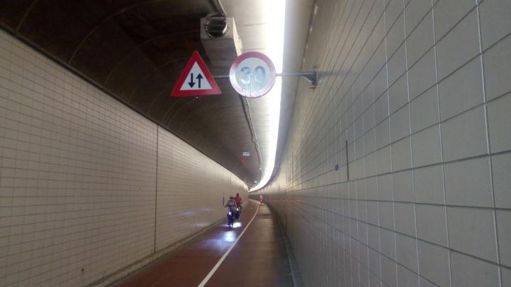 15_benelux_tunnel.jpg