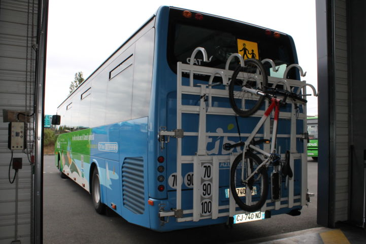Fahrradtransport auf dem Irisbus Crossway ©Kev22 (https://commons.wikimedia.org/wiki/File:Irisbus_Crossway_-_Ti'Bus_porte-vélos.jpg)